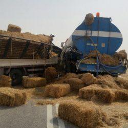 حادث تصادم شاحنات على طريق أبرق الكبريت