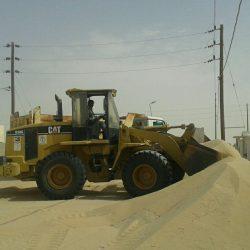 بلدية الخفجي تبدأ برفع الرمال بأبرق الكبريت والسفانية #الخفجي