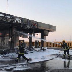 حريق يلتهم خمس مضخات محطة وقود وسيارة بالخفجي