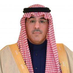 بلدية طريف تنظف أحياء المحافظة