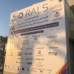 """المهندس """" الحميداني """" ورئيس المجلس البلدي يتفقدان مشاريع السفلتة بالخفجي"""