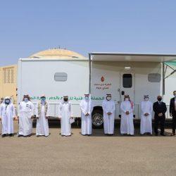 تقديراً وعرفاناً ؛ الرئيس العام يقدم مجسماً تذكارياً للمسجد الحرام إلى سمو أمير منطقة مكة