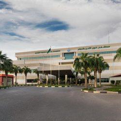 شرطة الرياض تلقى القبض على مقيم من الجنسية السودانية، تورط بارتكاب عددٍ من جرائم السطو وسلب المارة