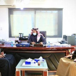 أمير تبوك يستقبل مدير فرع وزارة العدل بالمنطقة