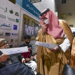 أمير الباحة يوجّه بمراقبة وتفتيش جميع منافذ بيع الأجهزة الإلكترونية للطلاب والطالبات