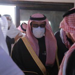 مدير بنك التنمية بالقريات يعقد اجتماع مع أعضاء جمعية البر بالمنطقة