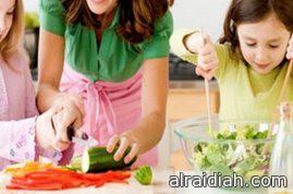 طرق مميزة لتشجيع طفلك على تناول الطعام