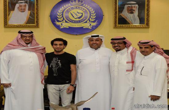 سفراء أرامكوالسعودية بمعهد البترول التقني يكرمون مدير مرور الخفجي