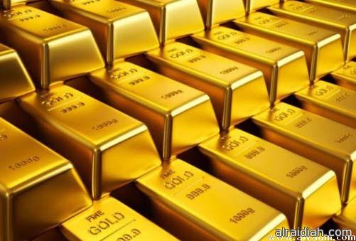 الذهب يوسع خسائره ويتراجع أدنى 1200 دولار للأوقية