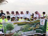 محافظ الخفجي يطلق حملة البلدية لغرس أكثر من 700 شجرة وشتله من أشجار الظل النافعة بميدان الملك عبدالله