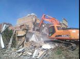 بلدية الخفجي تبدأ بإزالة 28 مبنى من المباني الآيلة للسقوط والمهجورة