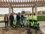 محافظ #الخفجي يدشن مبادرة (شواطئنا جميلة بنظافتها) و (ازرع لبيئة أفضل)